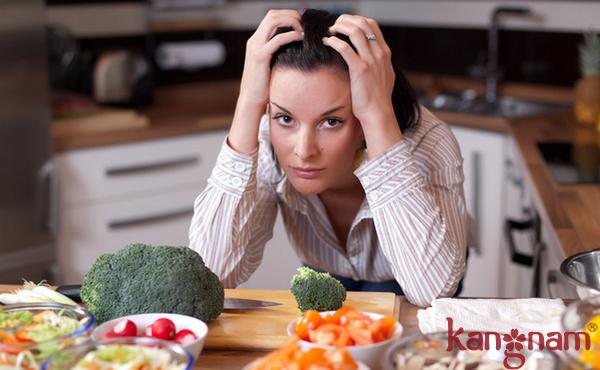 Chế độ ăn và Stress là nguyên nhân gây mụn thường gặp