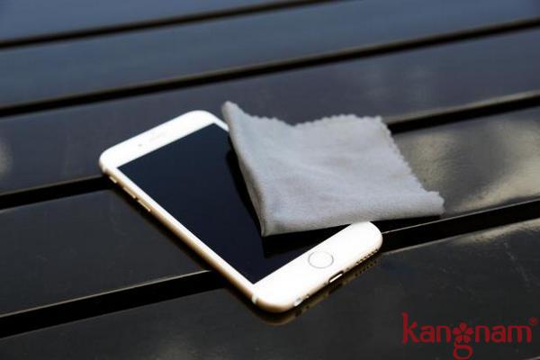 Nên vệ sinh điện thoại của bạn thường xuyên