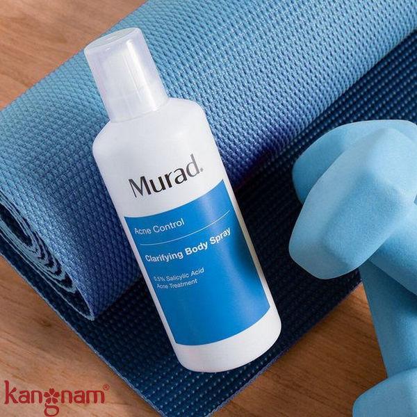 """Murad Clarifying Body Spray - với cơ chế """"360 độ"""" giúp toner phủ đều từ đầu tới chân"""