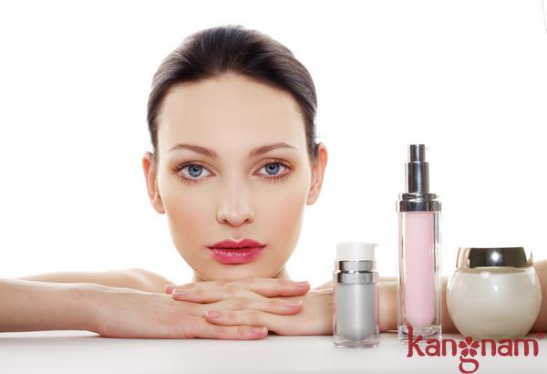 """Sản phẩm Skincare không phù hợp dẫn tới """"quá tải"""" da và gây mụn"""