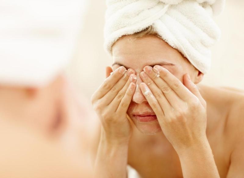 Rửa mặt là bước cần thiết trong chăm sóc da