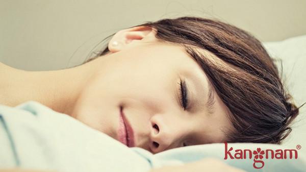 Ngủ đủ giấc giúp da xinh đẹp, rạng rỡ hơn