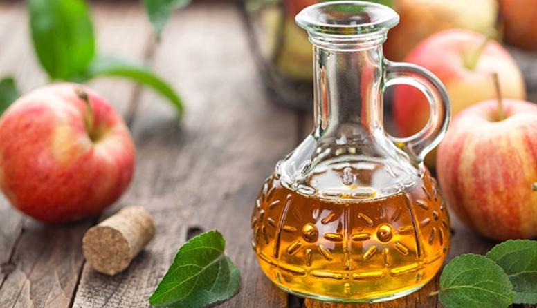 Giấm táo giúp giảm viêm và sẹo mụn