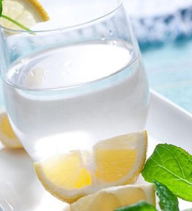 Detox giấm chanh hoặc táo