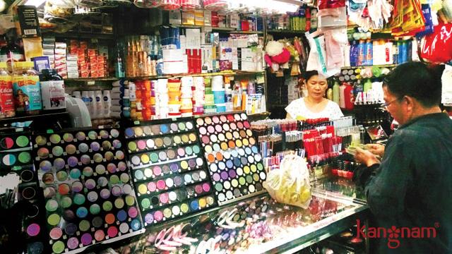 Kem giả, kém chất lượng được bày bán tràn lan trên thị trường.