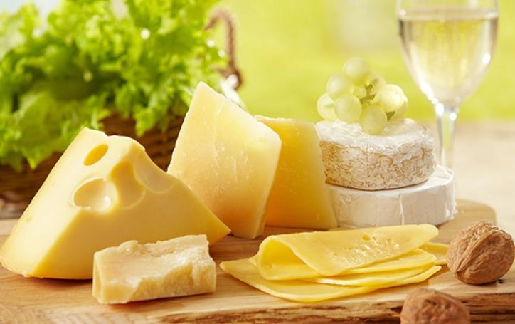 Thực phẩm từ sữa không tốt cho da dầu